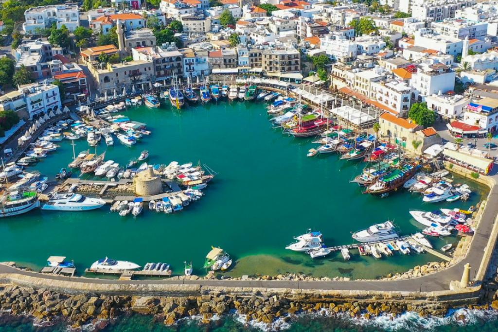 Кирения (Гирне) – самый европейский город на Северном Кипре